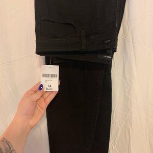 Denim - 👖🖤 black distressed skinny jeans NWT!